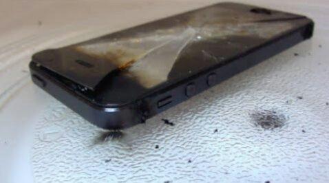 iPhone plně nabitý mikrovlnkou pomocí funkce Wave