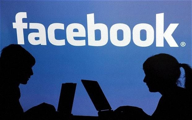 Facebook at Work: napříště už jen čistě profesní komunikace
