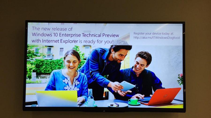 Tweet Toma Warrena prozradil, že Internet Explorer se ještě neodporoučí