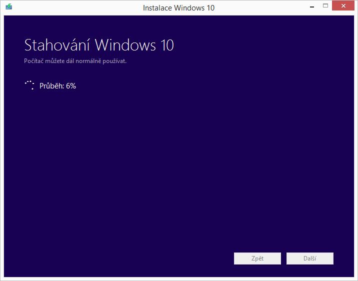 A Windows 10 se už stahují...