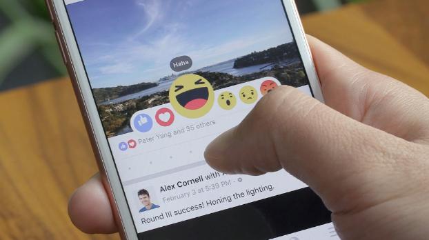 Faceboočí Reakce se brzo i u nás dostanou na chytré telefony