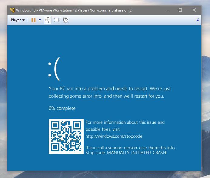 A Modrá obrazovka smrti s QR kódem ještě jednou, tentokrát virtualizovaná přes WMVare (Zdroj: @javalinni at Reddit.com)