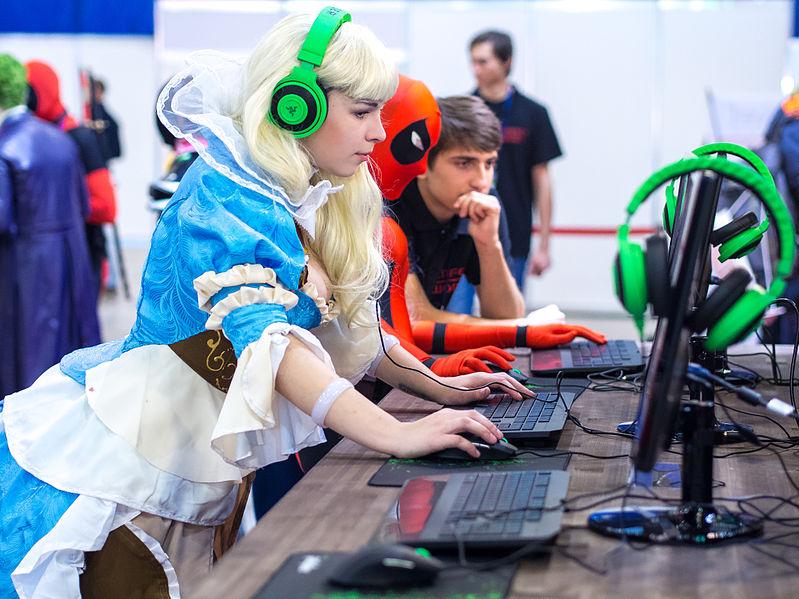 Hraní počítačových her je oblíbeným doplňkem programu spřízněných akcí