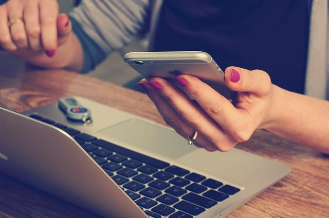 Sdílení citlivých informací skrze většinu kecálků není bezpečné (Zdroj: Pixabay.com)