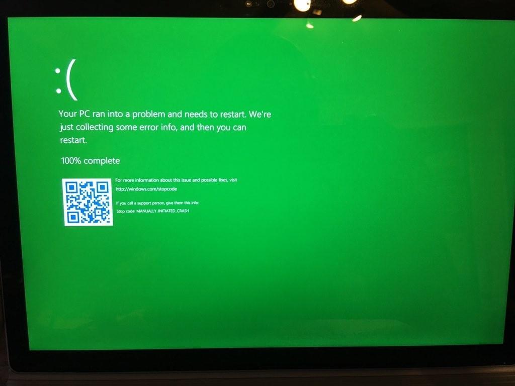 Obrazovka smrti zezelená v testovacích verzích Windows (Zdroj: Neowin.net)