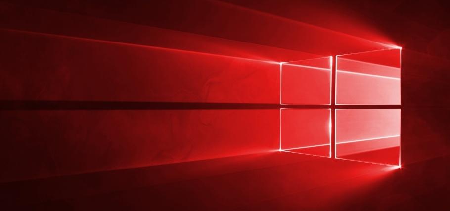 Okna Windows nad námi září jak symboly despotických režimů