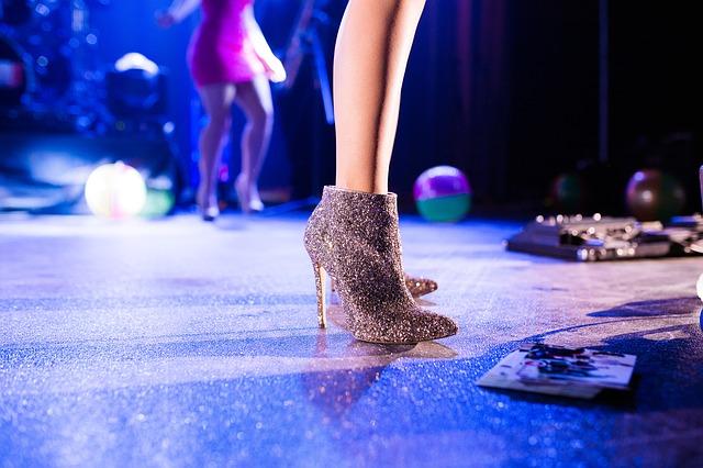 Nejen boty, ale všechno oblečení a módní doplňky budou k vidění na virtuální módní přehlídce v Galerii Vaňkovka (Zdroj: Pixabay.com)
