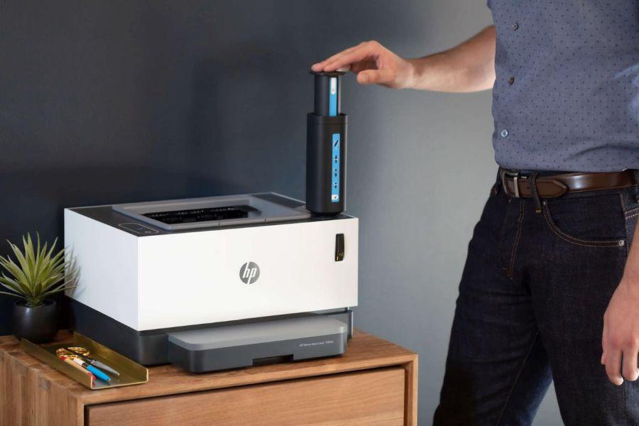 HP Neverstop se doplňuje variantou injekční stříkačky (Zdroj: HP.com)