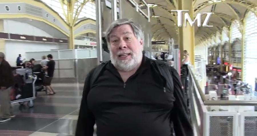Steve Woz Wozniak nemá o informačním dnešku žádné iluze: Kdo ví, jestli nás právě teď neodposlouchává můj vlastní telefon? (Zdroj: TMZ.com)