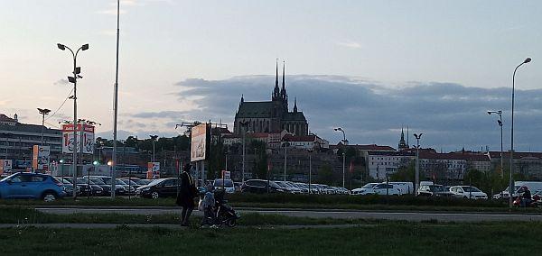Brno s ikonickým Petrovem se možná stane i ikonou technologií Smart City (Zdroj: Daniel Beránek)