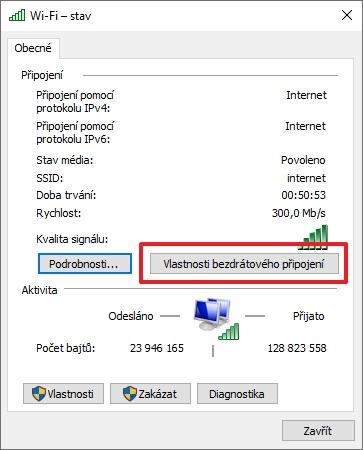 Automatické přepnutí mezi Wi-Fi sítěmi povolíte na úrovni profilu každé z nich (Zdroj: Windows 10)