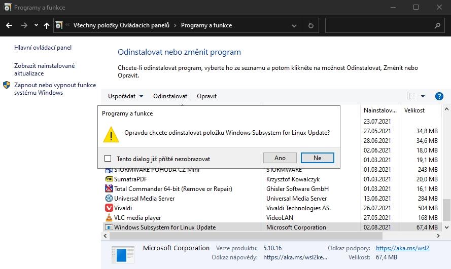 V Ovládacích panelech přejdeme na Programy a funkce a položku Windows Subsystem for Linux a dáme odinstalovat (Zdroj: Windows 10)