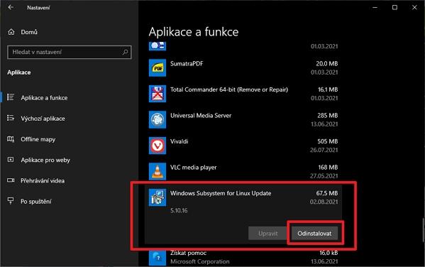 V aplikaci Nastavení přejdeme na Aplikace a v sekci Aplikace a funkce vyhledáme položku Windows Subsystem for Linux a dáme odinstalovat (Zdroj: Windows 10)