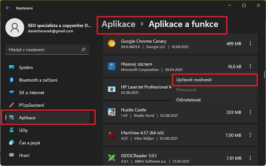 Navigujte Nastavení - Aplikace - Aplikace a funkce a směřujte k aplikacím, kterým chcete zabránit běžet na pozadí (Zdroj: Windows 11)