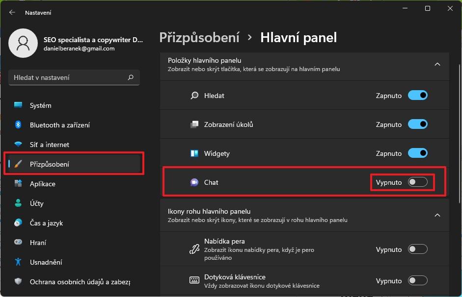 Navigujeme Nastavení - Přizpůsobení - Hlavní panel - Položky hlavního panelu - Chat - Vypnuto (Zdroj: Windows 11)